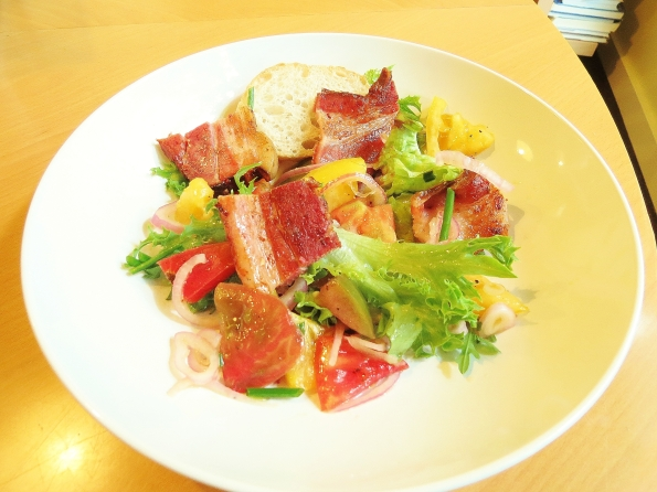 Marinated tomato salad with bacon