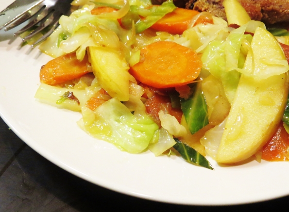 Healthy recipe, clean eating, cabbage, caramelized onion, carrots and apples